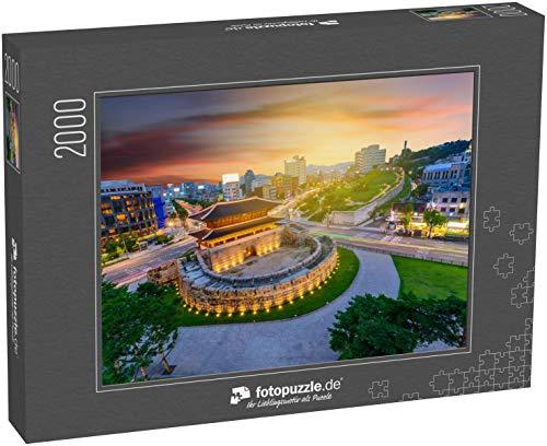 Puzzle 2000 Teile Dongdaemun Gate bei Nacht und Traffic in Seoul, Südkorea - Klassische Puzzle mit edler Motiv-Schachtel, Fotopuzzle-Kollektion 'Asien'