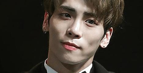 SHINee's Jonghyun hat Selbstmord begangen