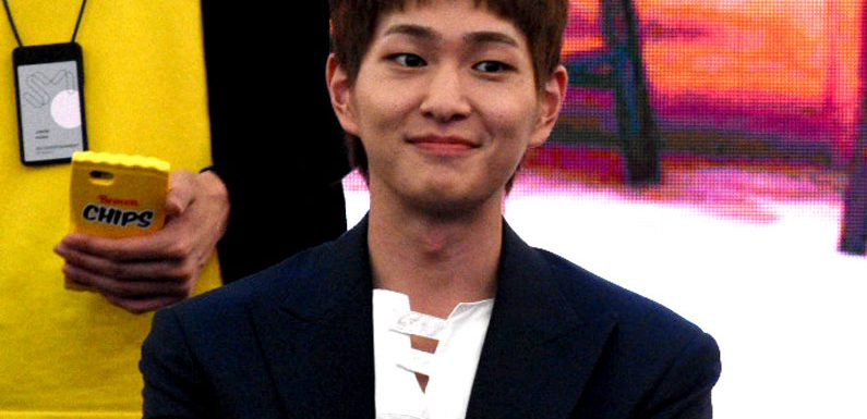 Onew is back!