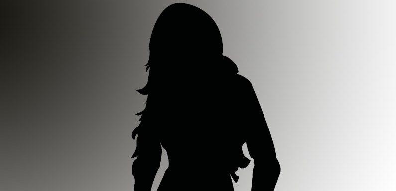 [BLIND ITEM] Die Sängerin, die von der Bildfläche verschwand